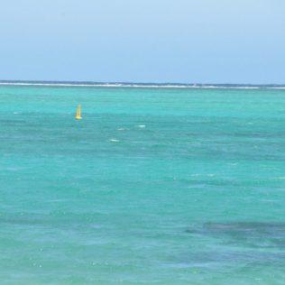 (C) Jule Reiselust: Markierungen im Wasser geben Orientierung.