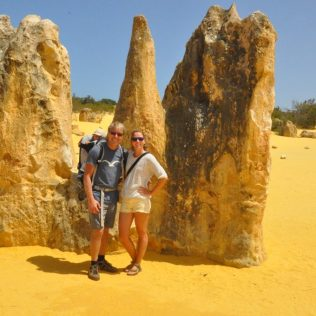 (C) Jule Reiselust: Wir drei beinden Pinnacles im Nambung Nationalpark.