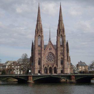 (C) Jule Reiselust: Die St. Paul Kirche am Übergang von Alt- zu Neustadt.