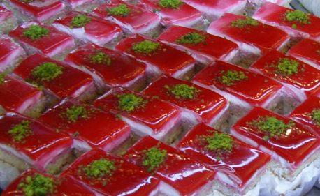 (C) Jule Reiselust: Lecker Kuchen - in der Fastenzeit tagsüber kaufen und dann leider erst nach Einbruch der Dunkelheit essen.