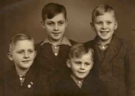 Børge, Egon, Niels Erik og Hans Kristian