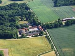 Luftfoto af godset