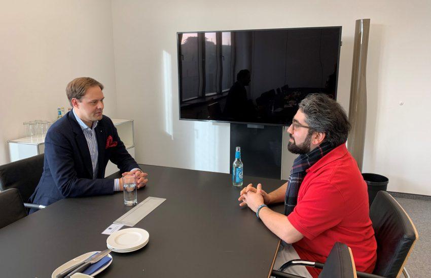 Manouchehr Shamsrizi mit Dr. Marco Henry Neumueller