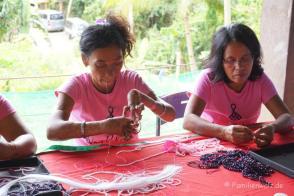 Schmuckherstellung im Compostela-Village