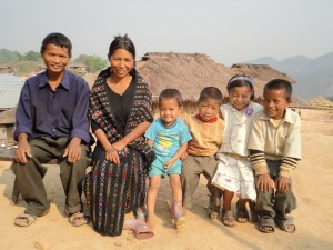 Ngun-Chin-Rin-with-her-family
