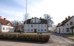 Släktgården Karlshov.