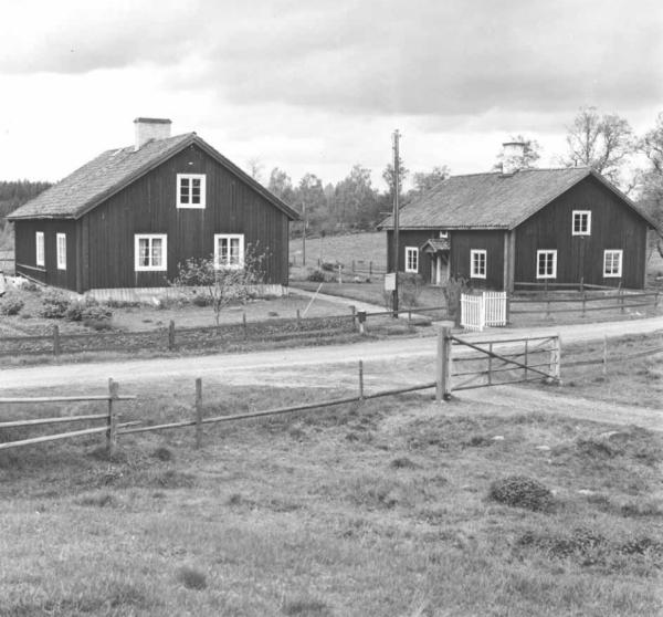 Arbetarbostäder till Börgöls Bruk. Källa: Byggnadsinventering 1971-1979, Risinge.