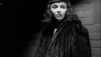Kim Hunter as Mary Gibson in The Seventh Victim