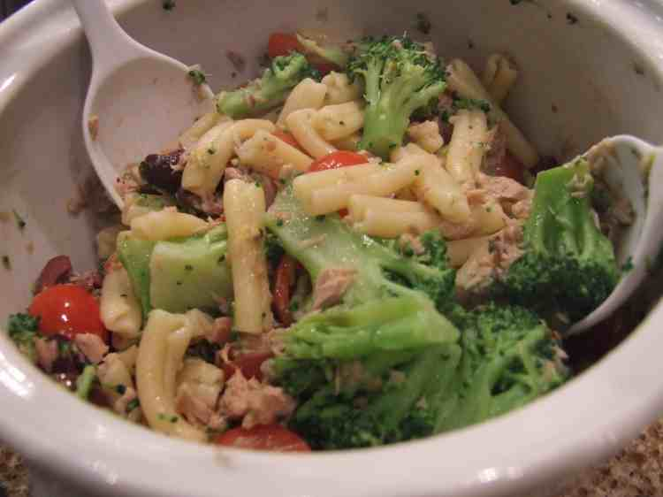 Zesty tuna pasta - with broccoli, tomatoes, olives, and extra yumminess