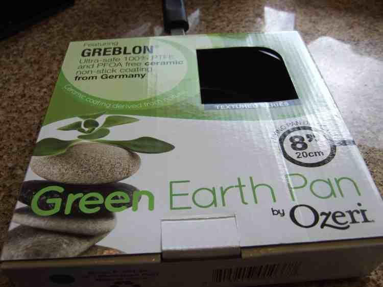 Green earth pan in box