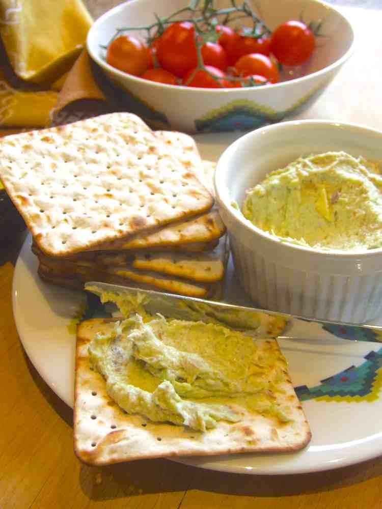 Quick smoked mackerel & avocado pate (Pesach)
