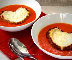 tomato soup with cheesy toast