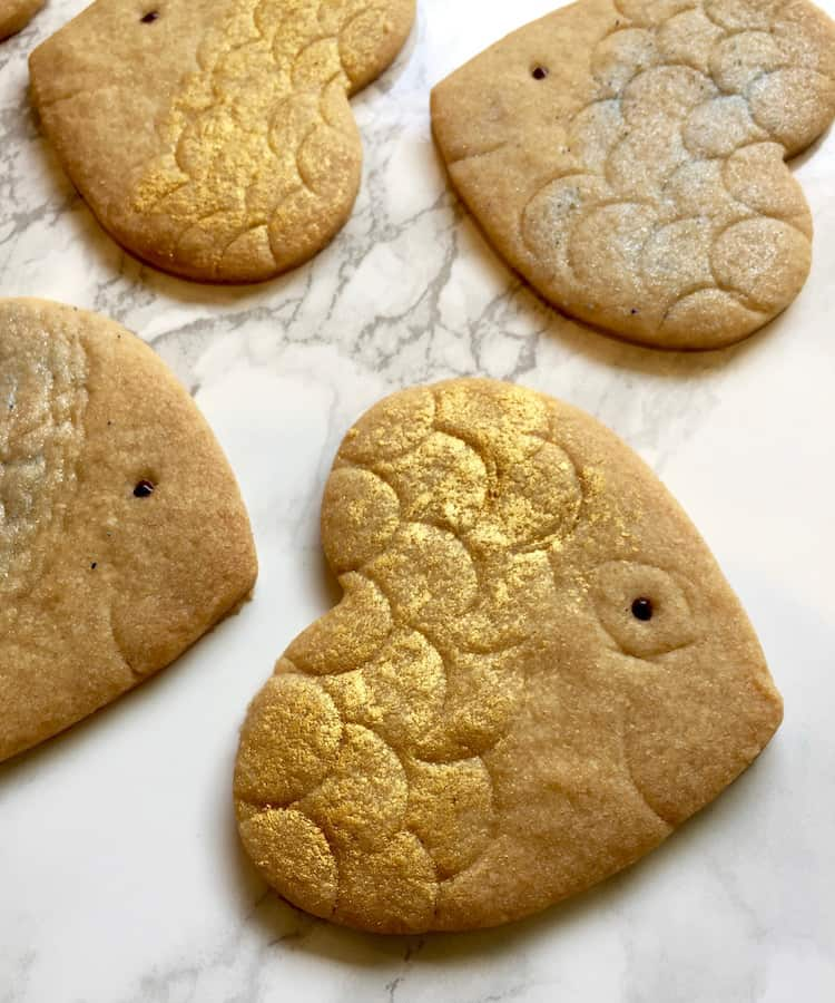 Even the kids will love having the 'head of a fish' on the Rosh Hashanah table, when they're made of cookies! Crunchy sweet shortbread for a sweet new year!