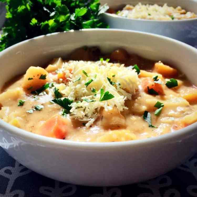 cauliflower & vegetable chowder