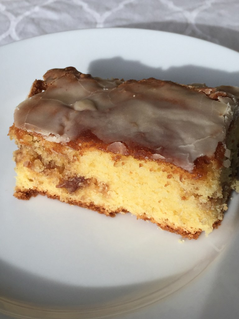 Honey Bun Cake – A Treat for Breakfast