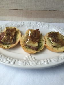 Beef, Brie and Onion Jam Canapé