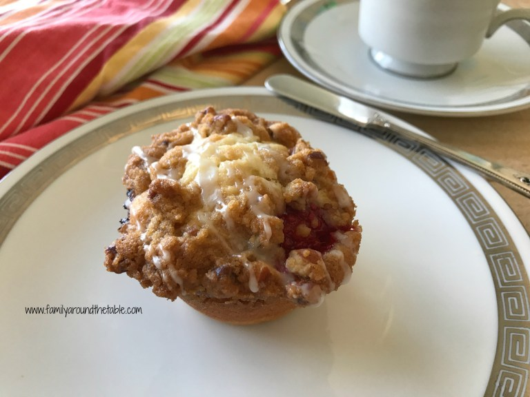 Fresh Raspberry Streusel Muffins