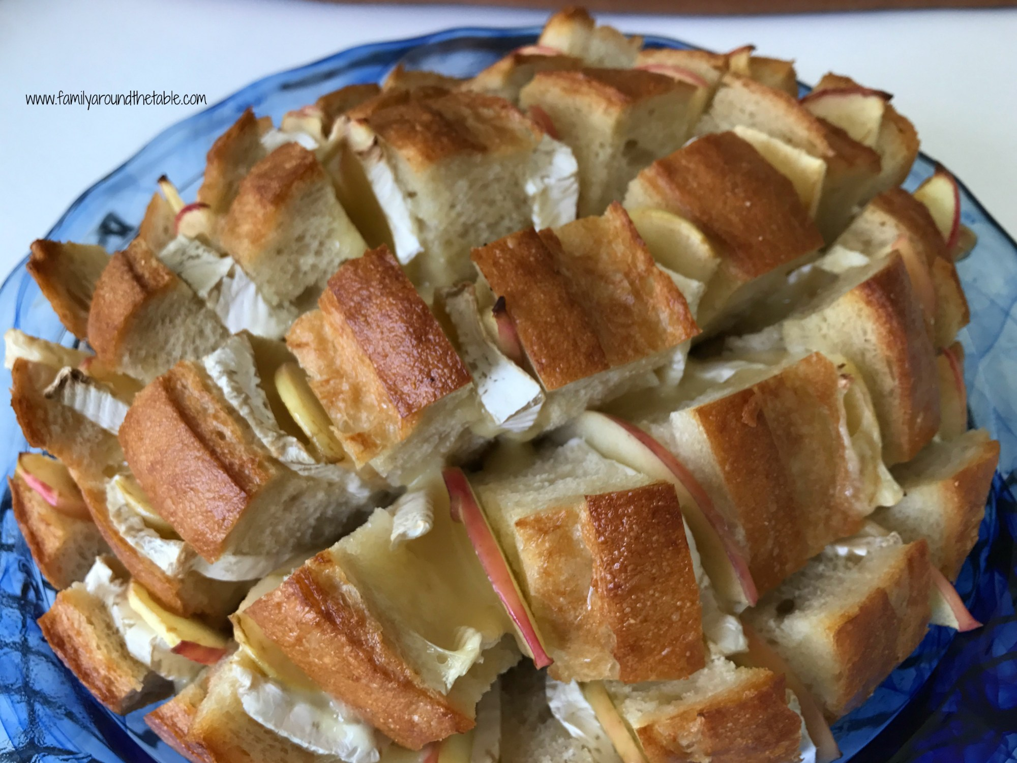 Cheesy Brie and Apple Pull Apart Bread
