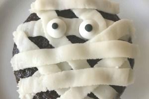 Mummy Cupcakes  #HalloweenFoodFun