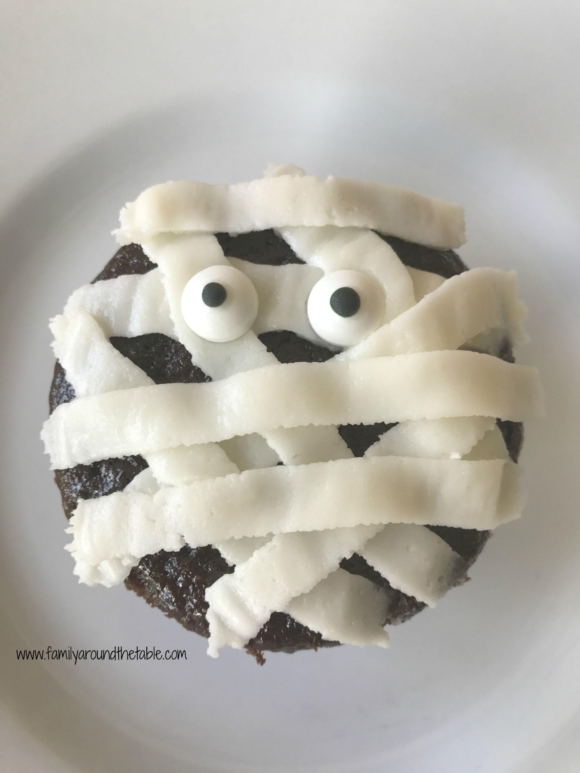 Mummy Cupcakes