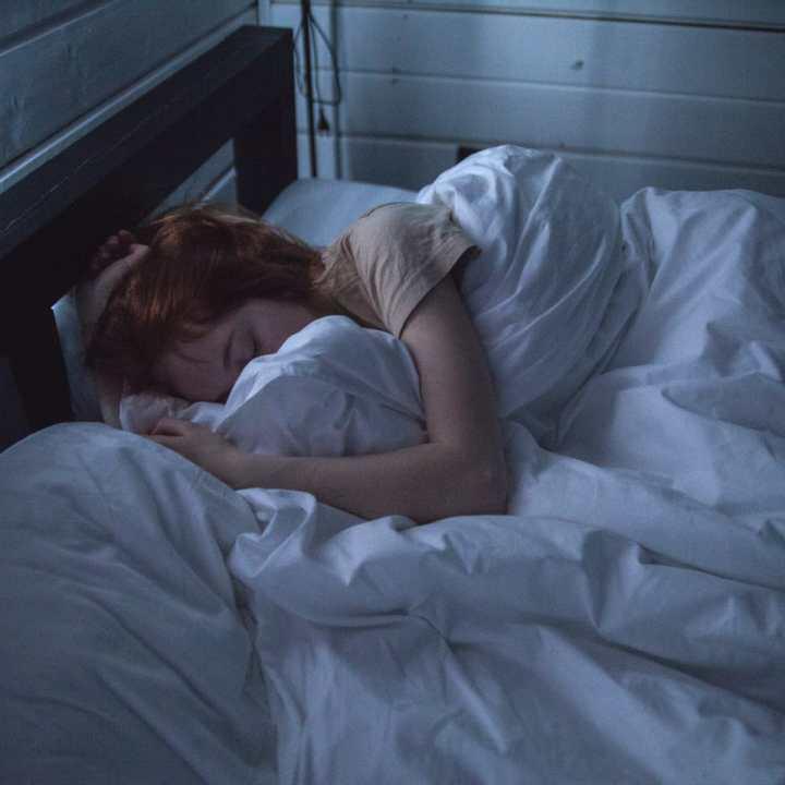 why-you-shouldnt-oversleep-8-oversleeping-facts-with-research