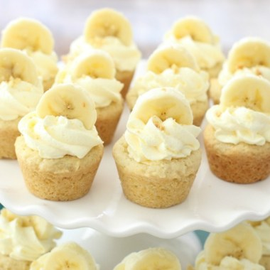 Banana Cream Pie Cookies are everything you love about Banana Cream Pie, in bite-sized cookie form! Easy family favorite banana cookie recipe!