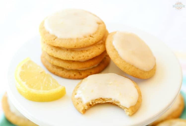 Iced lemon cookies