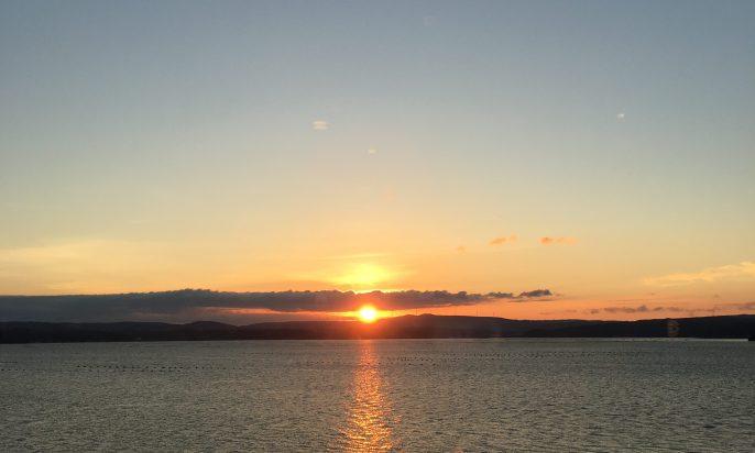多田屋の釣り桟橋から見た朝日