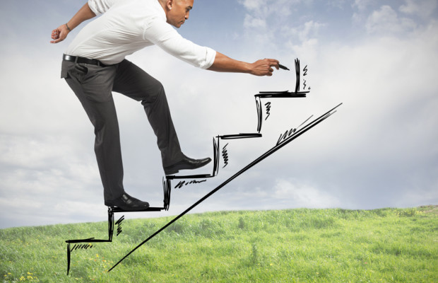 نتيجة بحث الصور عن ‪How to climb the career ladder quickly‬‏