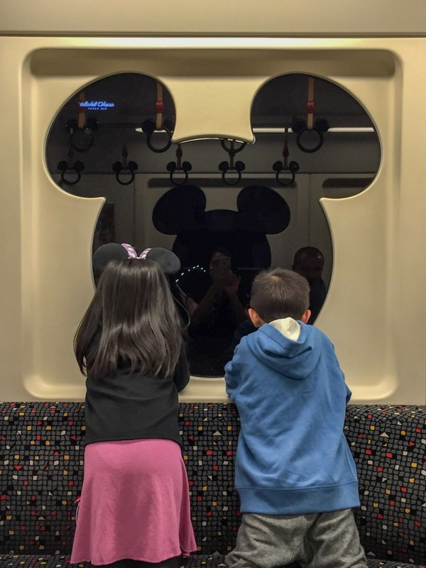Tokyo Disneyland Tips Monorail