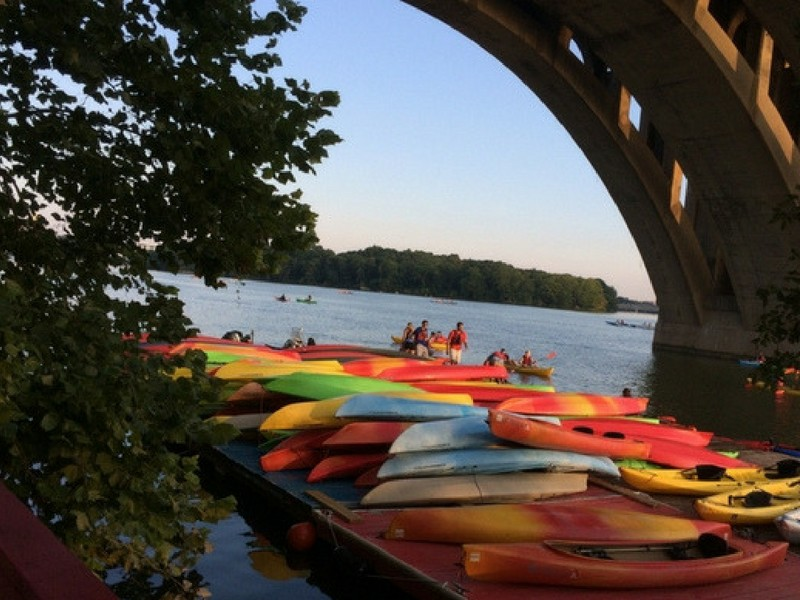 Washington DC with Teenagers Kayaking on the Potomac