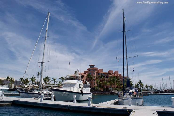s/v Pesto, m/v Adagio, s/v Coastal Drifter. 3 yachts. 3 homes. 3 families. 6 kids. A lot of fun !