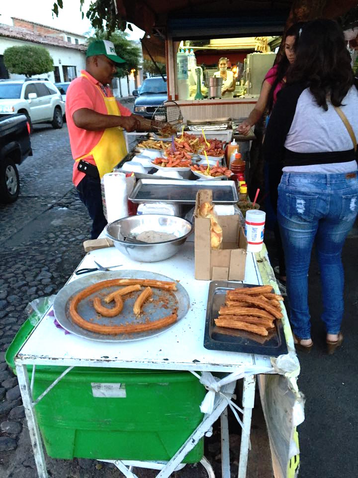 After the restaurant, a quick stop at this street churros joint - the best I've ever had. And at 3 pesos a piece, it was probably the best value-for-money I have ever come across in my life.