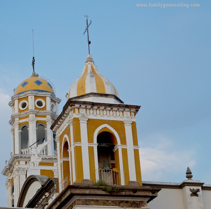 The yellow cupolas of the San Miguel Arcángel del Espíritu Santo Venustiano Carranza church
