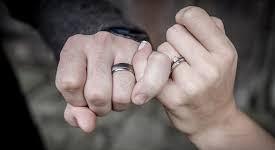 غيرة الأزواج : داء أم دواء ! 10 حلول