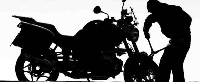 You plan to sell your motorcycle draft a suitable advertisement in English
