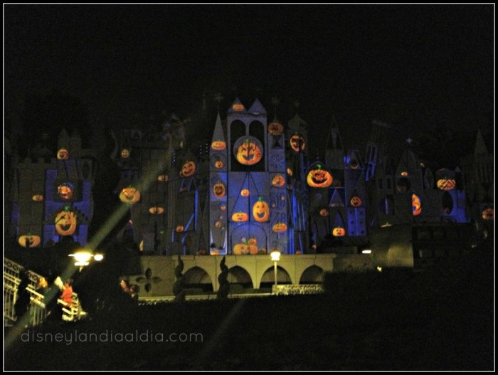 mickeys-halloween-party-2012-its-a-small-world-1024x771