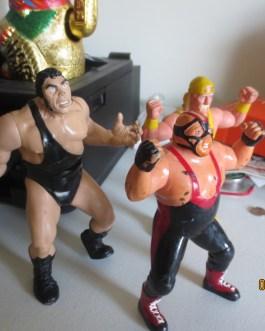 3 Vintage 1994 & 1997 Wrestling 8″ figures Hulk Hogan Andre Giant & Vader