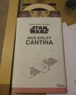 1997 STAR WARS Action Figure MAIL-AWAY Mos Eisley Cantina POP-UP Diorama Playset