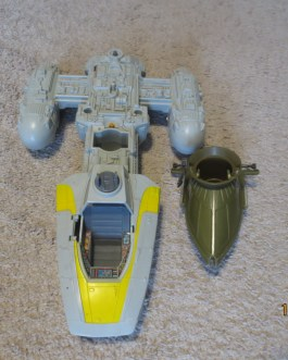 1983 Star Wars ROTJ Y-Wing fighter and desert Skiff incomplete for parts