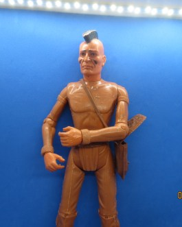 MARX INDIAN FIGHTING EAGLE JOHNNY WEST TOY 11″ FIGURINE w/ ACCESSORIES