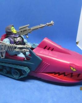 1984 Masters of the Universe MOTU Landshark & Battle armor Skeletor