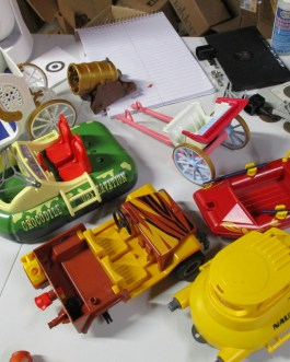 7 Playmobil Vehicle Lot: Hovercraft Carriage jeep submarine raft cannon