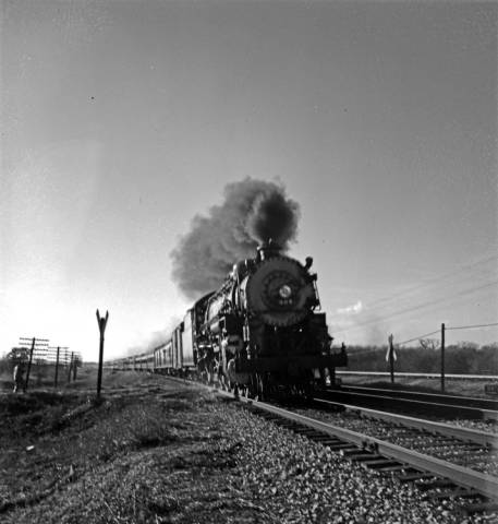 """Robert Yarnall Richie photograph collection, """"Locomotive 906, Texas & Pacific Railway Company,"""" ca. 1946, photo courtesy of Central University Libraries, Southern Methodist University."""