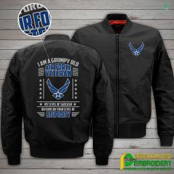 familyloves.com I Am A Grumpy Old Air Force Veteran Embroidery Jacket %tag