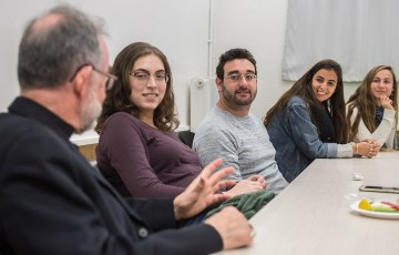 Bishops meet with students at Jerusalem's Hebrew University