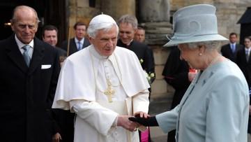 Pope Benedict XVI meets Queen Elizabeth