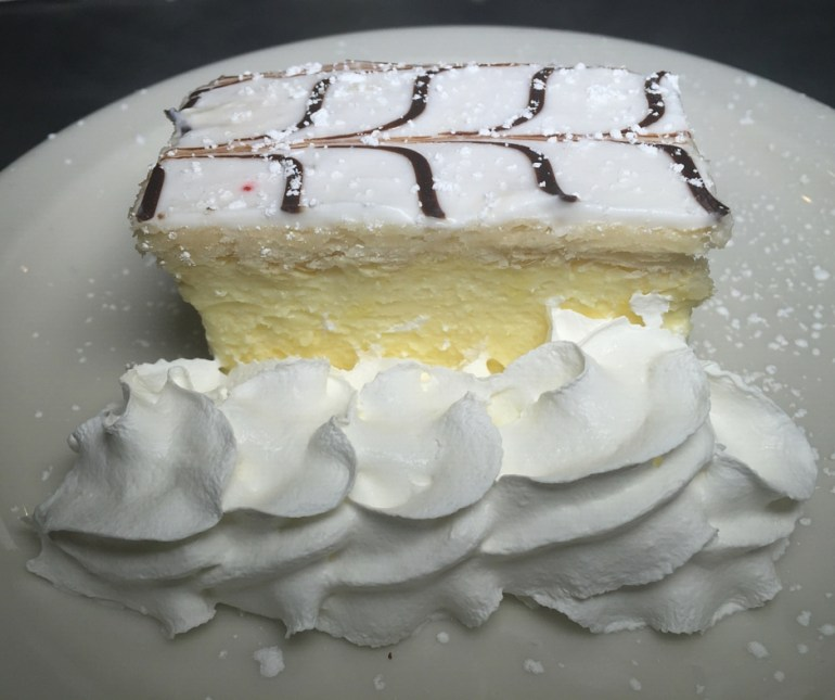 (c) FamilyReviewGuide_chomies_dessert