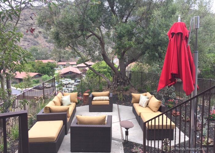 treehouse-patio