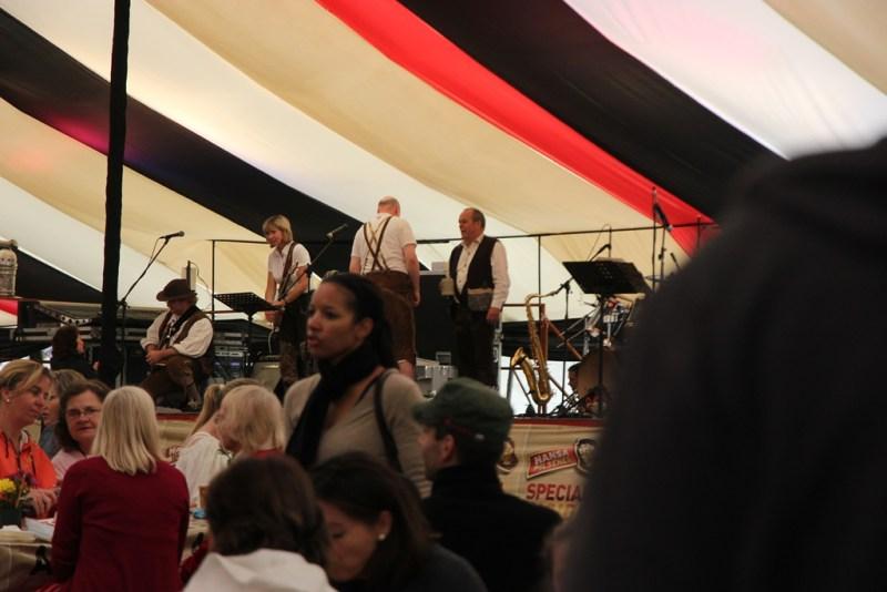 Oktoberfestzelt Volksmusik-Kapelle